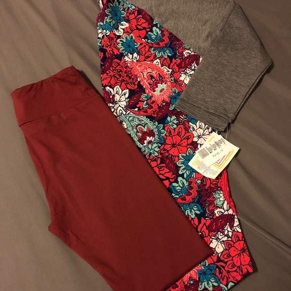 LuLaRoe Tops - Lularoe Small Paisley Randy & OS Wine Leggings